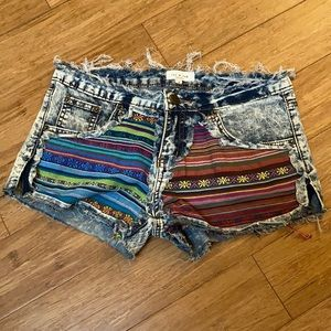 Tea and Cup shorts Size Small